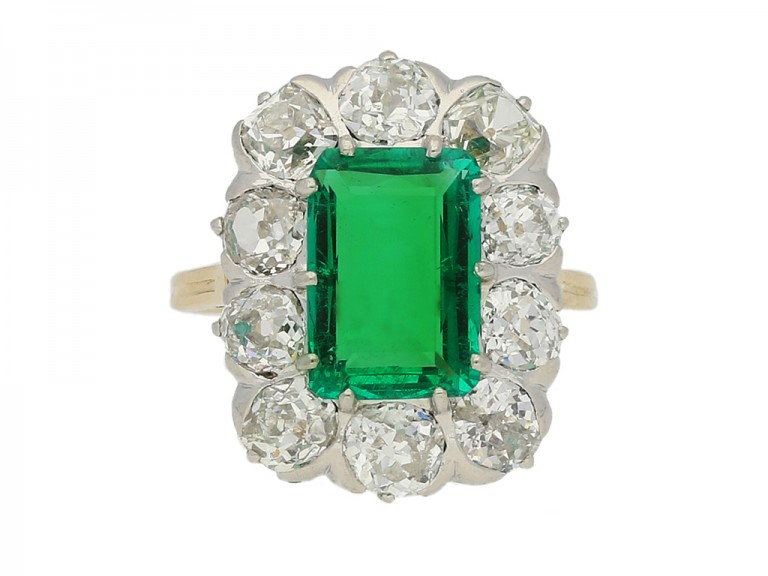 front view Chaumet emerald diamond ring berganza hatton garden