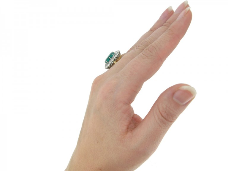 hand view Chaumet emerald diamond ring berganza hatton garden