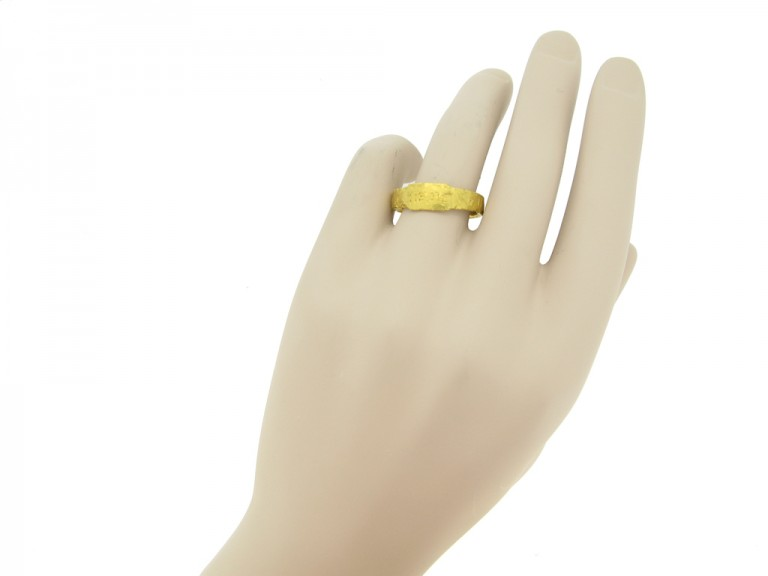 hand view Ancient Roman gold ring