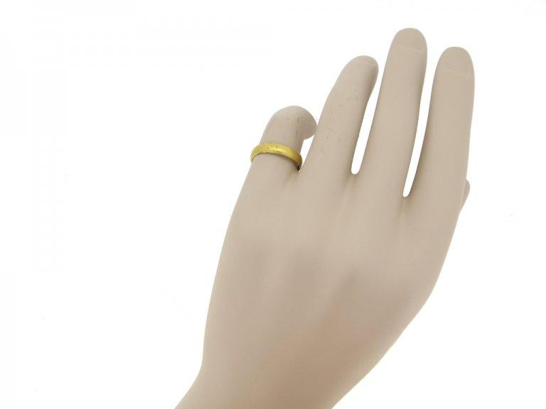 gold posy ring berganza hatton garden