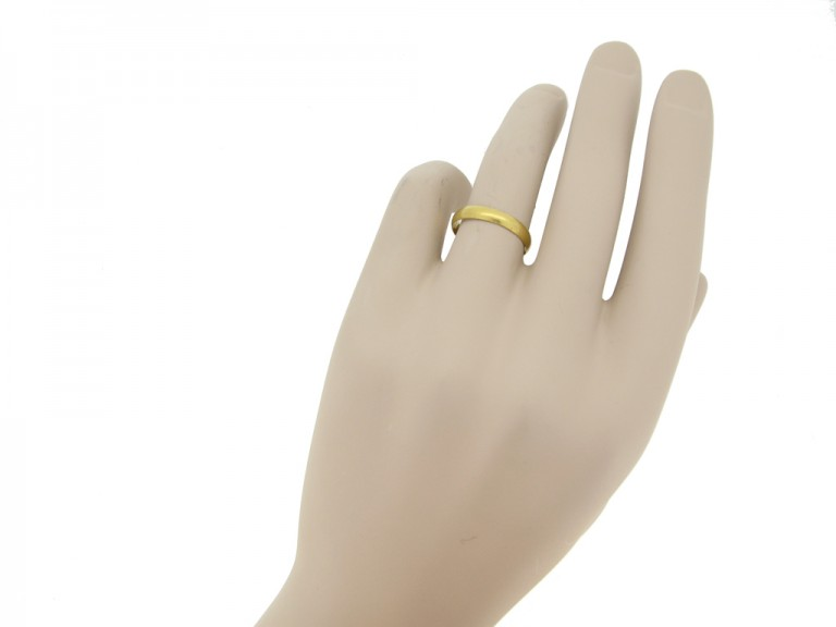 gold posy ring berganza hatton garden