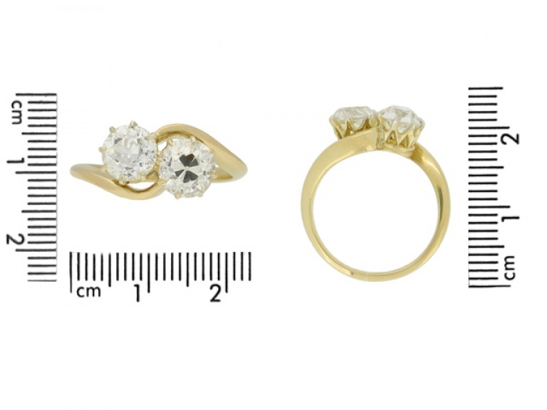 size view Crossover diamond engagement ring, circa 1915.