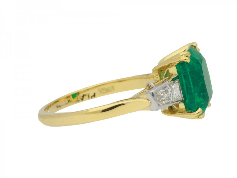 side view Vintage emerald and diamond ring, circa 1950s.