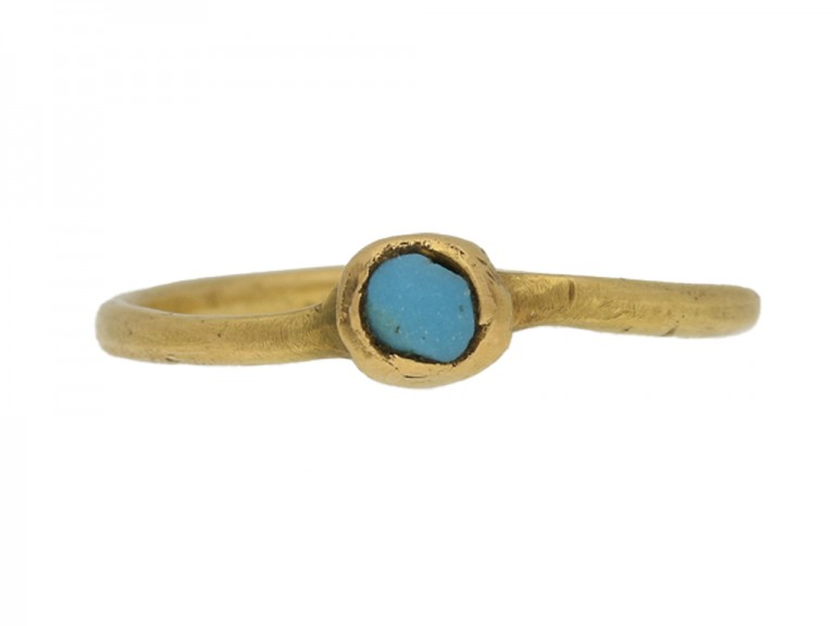 front view Medieval gold ring with turquoise, circa 13th century.
