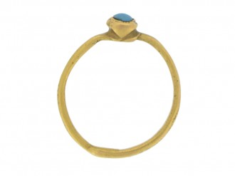 back view Medieval gold ring with turquoise, circa 13th century.