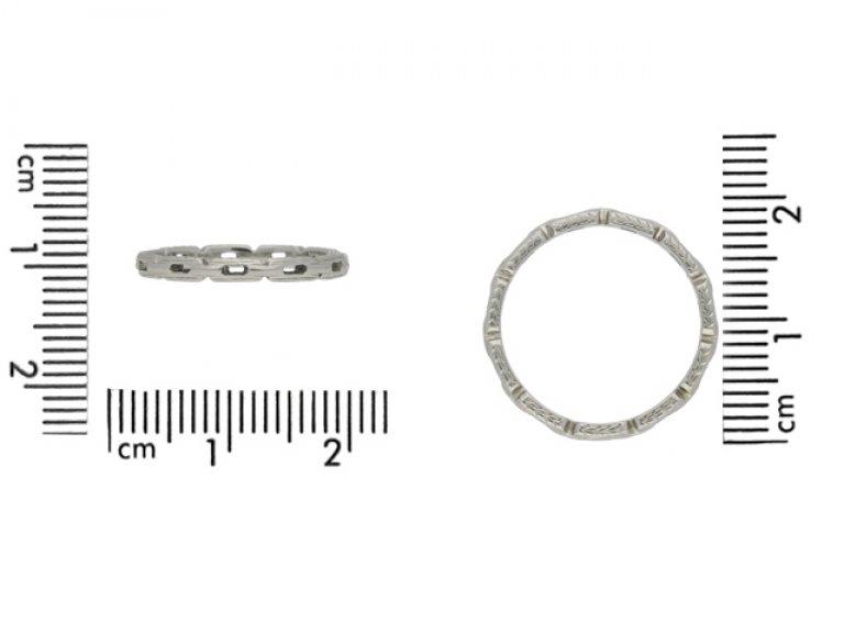 Wedding ring in 18ct white gold, American, circa 1920.