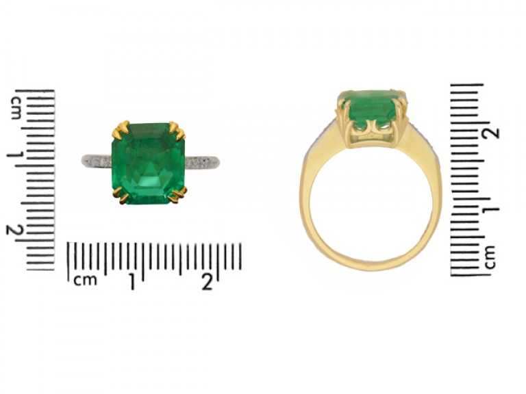 size view Colombian emerald and diamond ring, circa 1940.