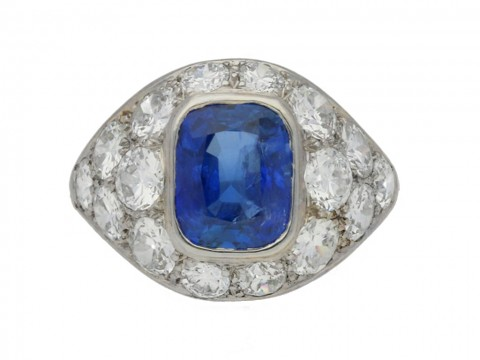 front view Sapphire and diamond cluster ring, French, circa 1930.