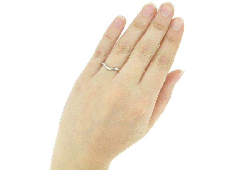 Elsa Peretti Tiffany & Co. shaped wedding ring in platinum, circa 1980s.
