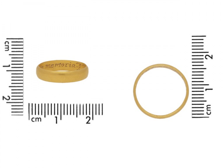 size view Gold memorial ring, circa 1670.