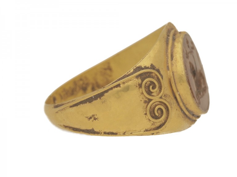side view Ancient Roman ring with jasper lion intaglio, circa 3rd century AD.