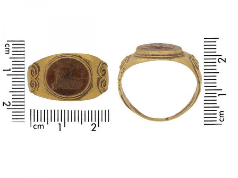 back view Ancient Roman ring with jasper lion intaglio, circa 3rd century AD.