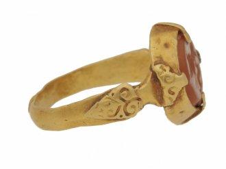 side view Sasanian cornelian intaglio ring, circa 224 651 AD.