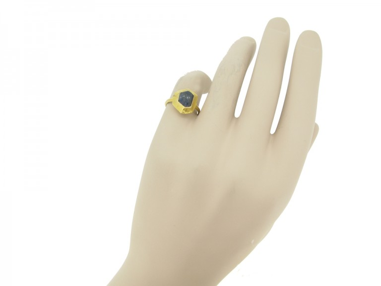 hand view Medieval sapphire cabochon gold ring, circa 14 15th century.