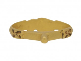 front view Medieval gold fede betrothal ring, circa 13th century.