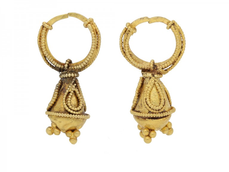 front view Ancient gold earrings berganza hatton garden