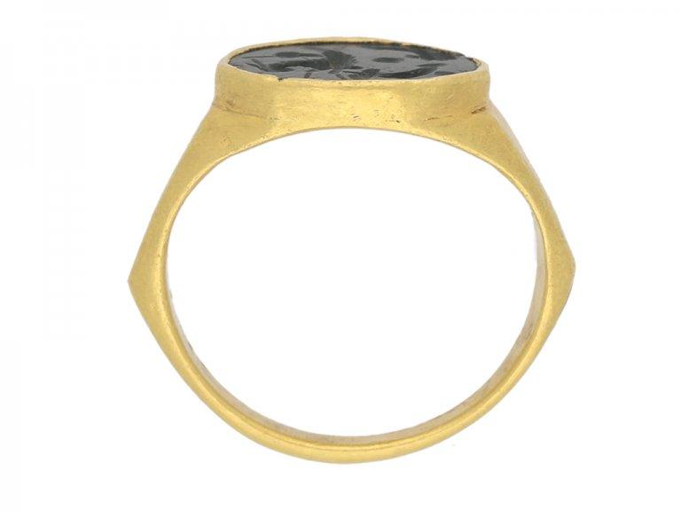 Ancient Roman ring intaglio berganza hatton garden