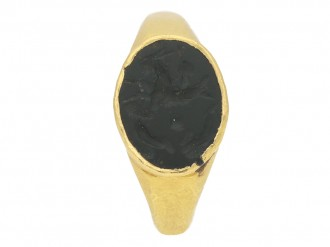 front view Ancient Roman ring intaglio berganza hatton garden