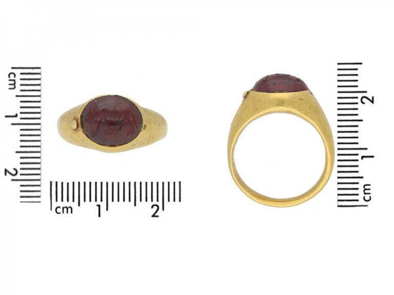 Roman wolf intaglio ring berganza hatton garden