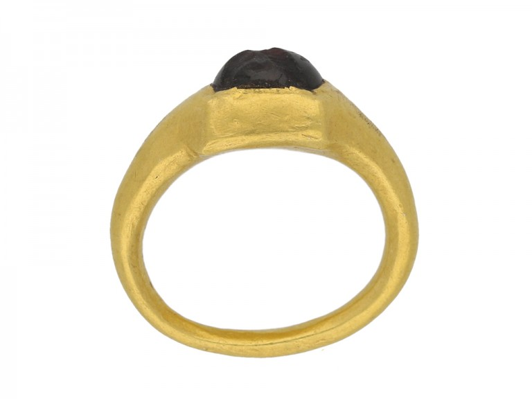 Ancient gold garnet ring berganza hatton garden