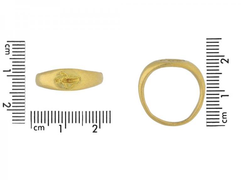 Ancient Roman gold intaglio ring, 2nd 4th century AD. berganza hatton garden