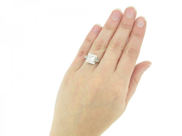 hand view Art Deco diamond ring, English, circa 1925. berganza hatton garden
