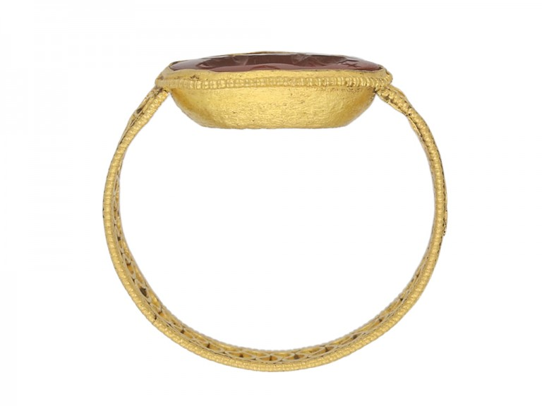 Ancient Roman cornelian bull intaglio ring berganza hatton garden