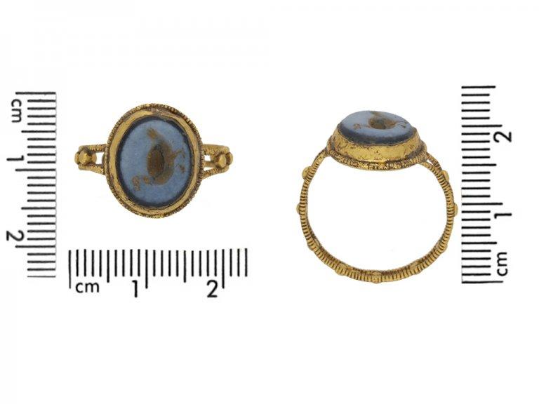 Ancient Roman sardonyx goose intaglio ring, circa 2nd 4th  century AD. berganza hatton garden