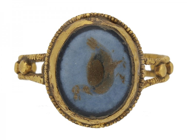 front view Ancient Roman sardonyx goose intaglio ring, circa 2nd 4th  century AD. berganza hatton garden