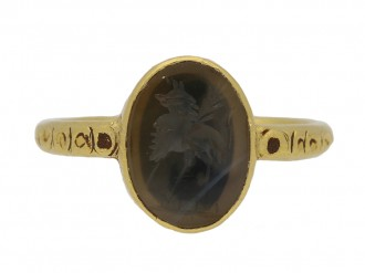 front view Medieval agate bird intaglio ring, circa 6th 7th century AD. berganza hatton garden