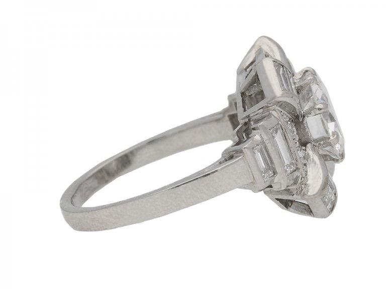 Art Deco diamond cluster ring, French, circa 1935. berganza hatton garden