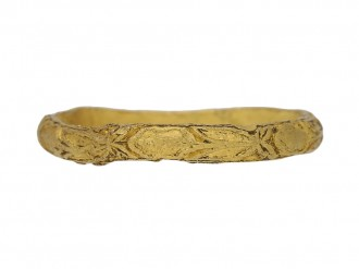 antique gold  carved ring berganza hatton garden