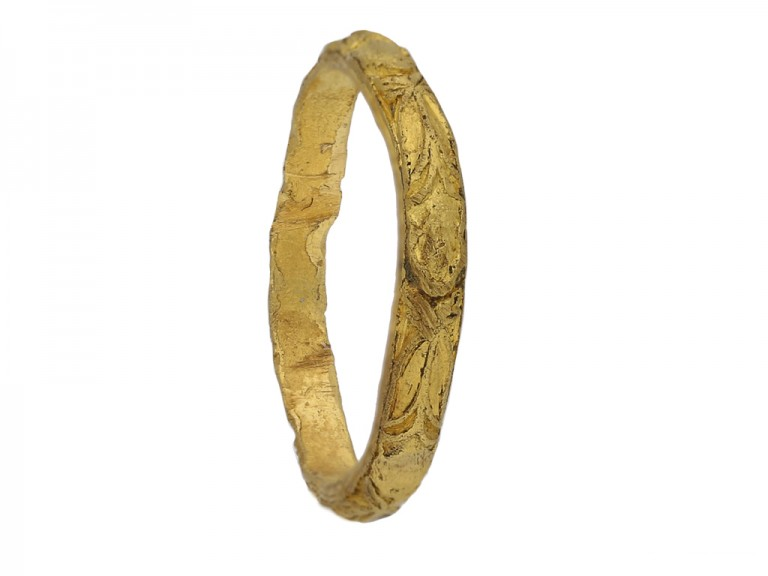 antique gold  carved ring berganza hatton garden