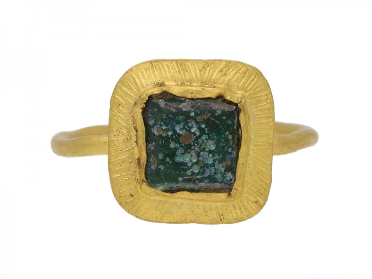 front view Ancient volcanic glass Roman ring berganza hatton garden