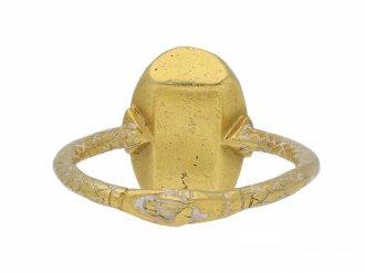 Medieval sapphire fede ring berganza hatton garden