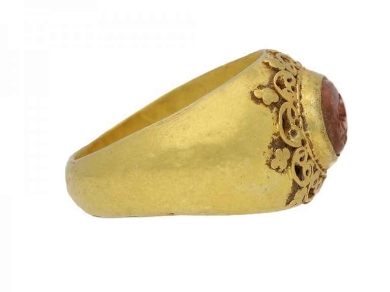 Ancient Roman gold ring intaglio berganza hatton garden