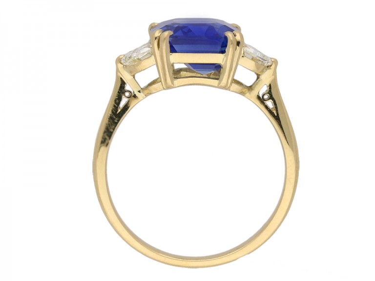 front view ceylon sapphire diamond ring berganza hatton garden