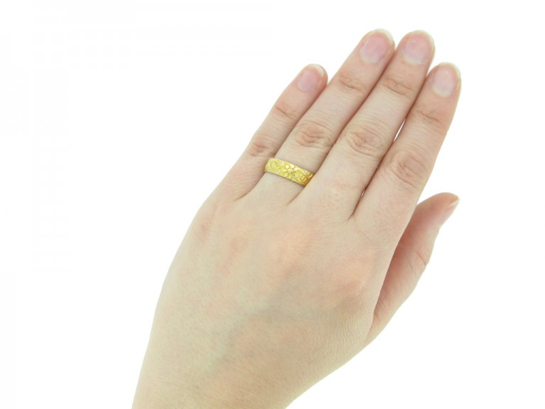 antique yellow gold wedding band hatton garden berganza