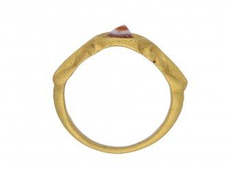 Ancient Roman agate gold ring berganza hatton garden