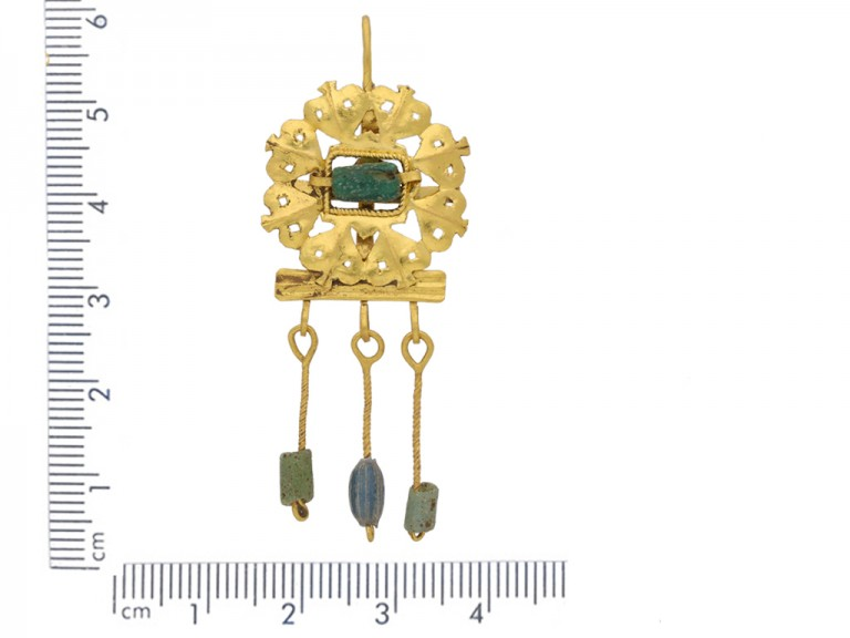 ancient roman emerald gold earrings berganza hatton garden