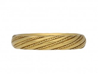 front view antique Gold patterned band berganza hatton garden