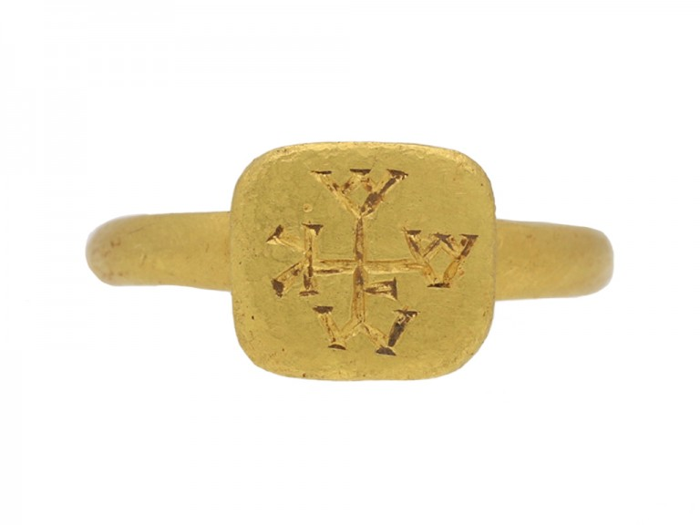 front view Byzantine gold ring berganza hatton garden