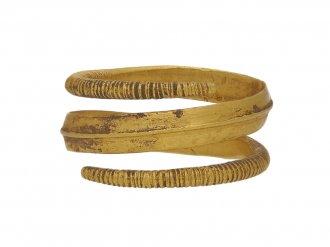 front Viking gold coiled ring berganza hatton garden