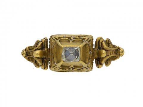 front Renaissance diamond ring berganza hatton garden