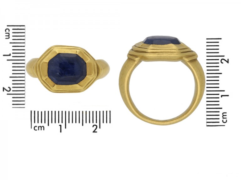 front Tudor sapphire gold ring berganza hatton garden