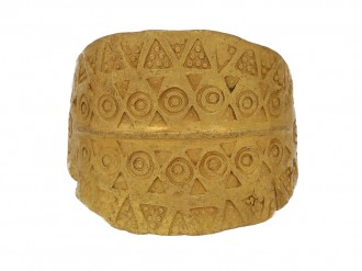viking gold stamped ring berganza hatton garden