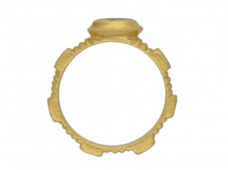 front Ancient Roman resin gold ring hatton garden berganza
