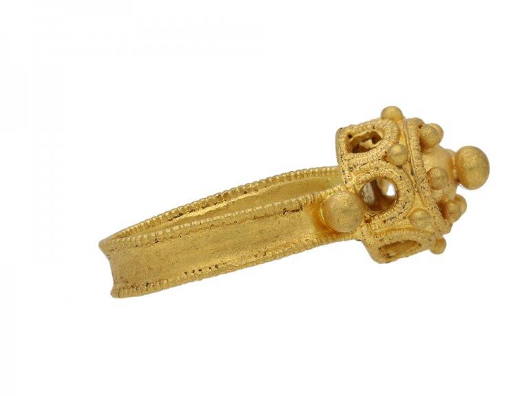 front Byzantine gold ring berganza hatton garden
