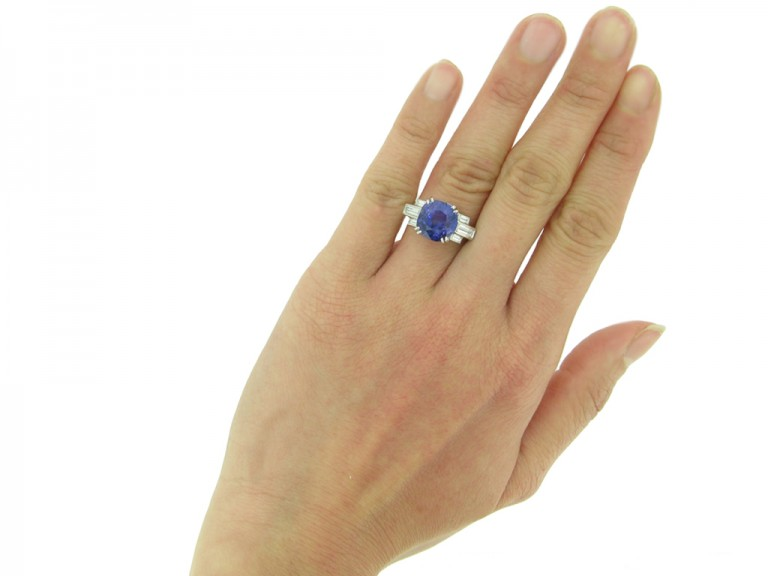 Art Deco colour change sapphire ring berganza hatton garden