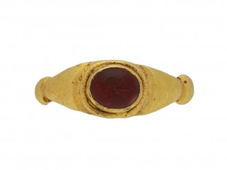 Roman intaglio ring with portrait berganza hatton garden